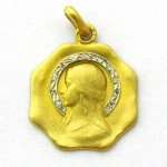 medalla ave velo con corona de brillantes forma octogonal oro amarillo