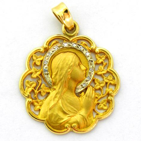 medalla ave manos calada con corona de brillantes bisel ondas
