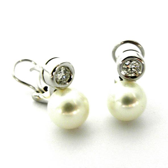 pendientes perla y brillante con boca rusa oro blanco
