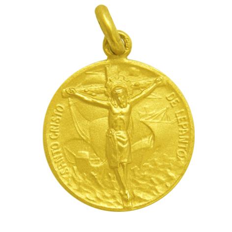 medalla santo cristo de lepanto oro amarillo