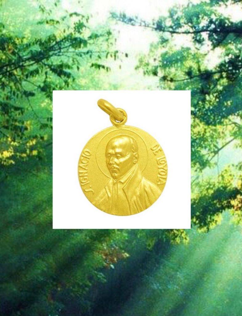 Medalla de San Ignacio de Loyola en oro amarillo, disponible en diferentes tamaños.