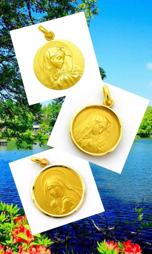 Diferentes medallas de la Virgen de los Dolores en oro amarillo, disponible en distintos modelos y tamaños.